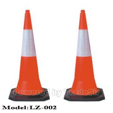 Plastic Traffic Cone (LZ-002)